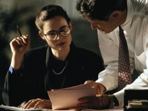 Строгая деловая женщина, деловое общение